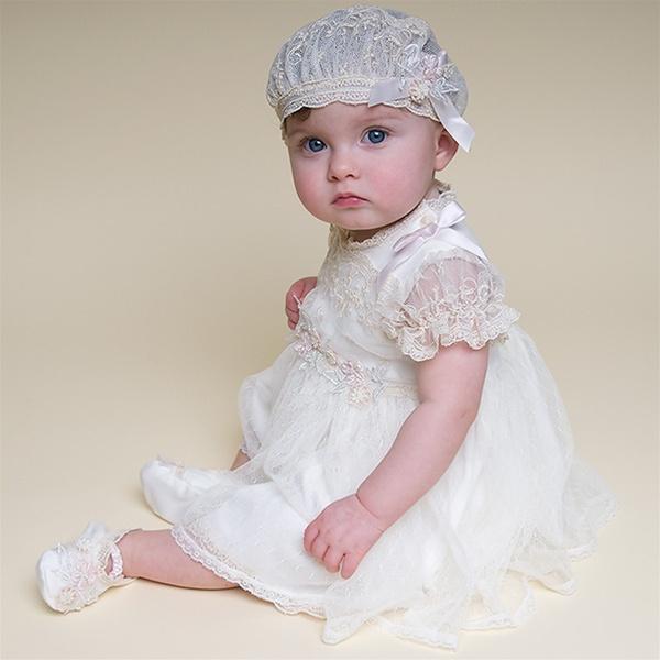 Keresztelő ruha és cipő babáknak
